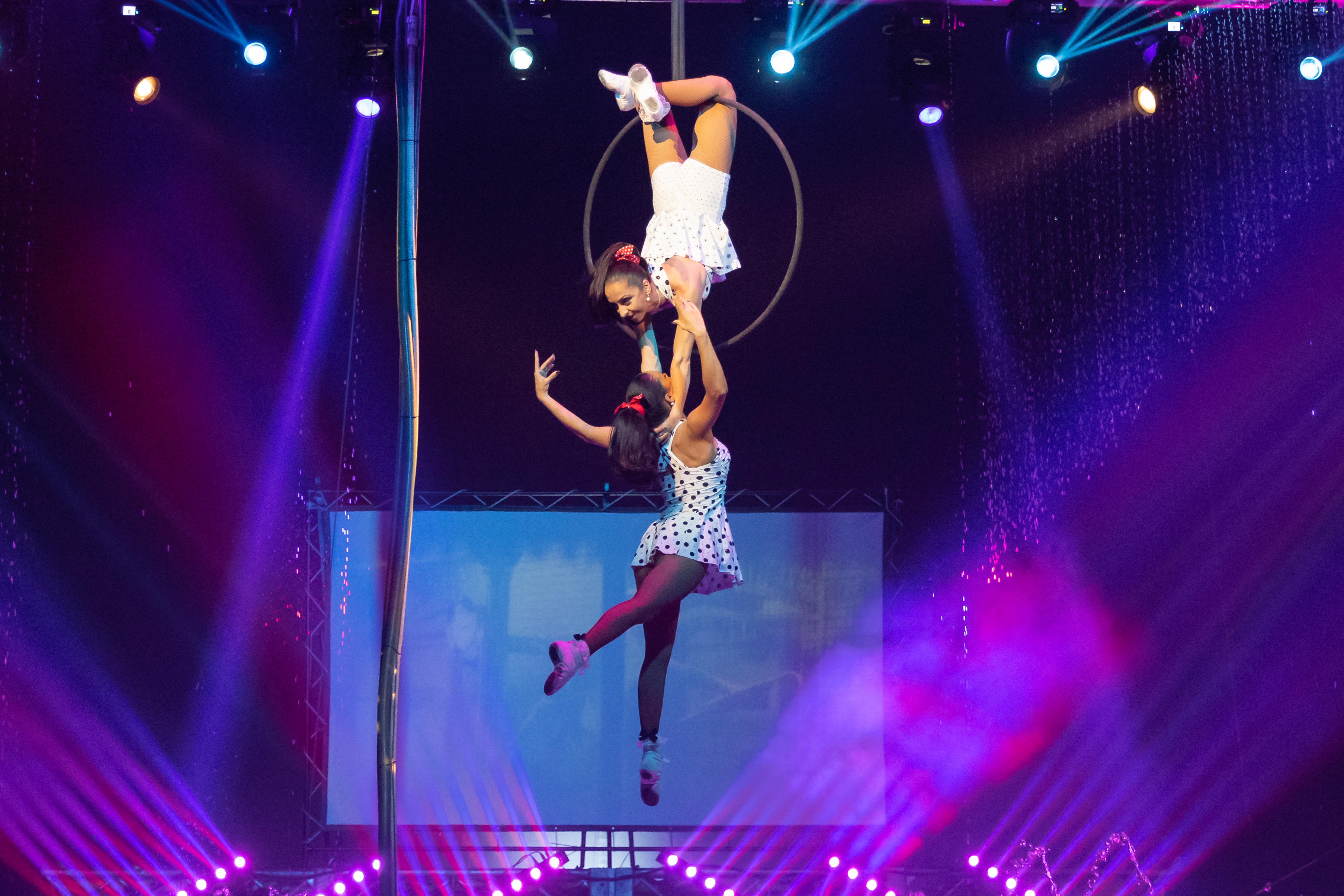 Submitted Aerial Lyra Duo - Roxana Midi & Susana Silva -Michael Seeley (7).jpg