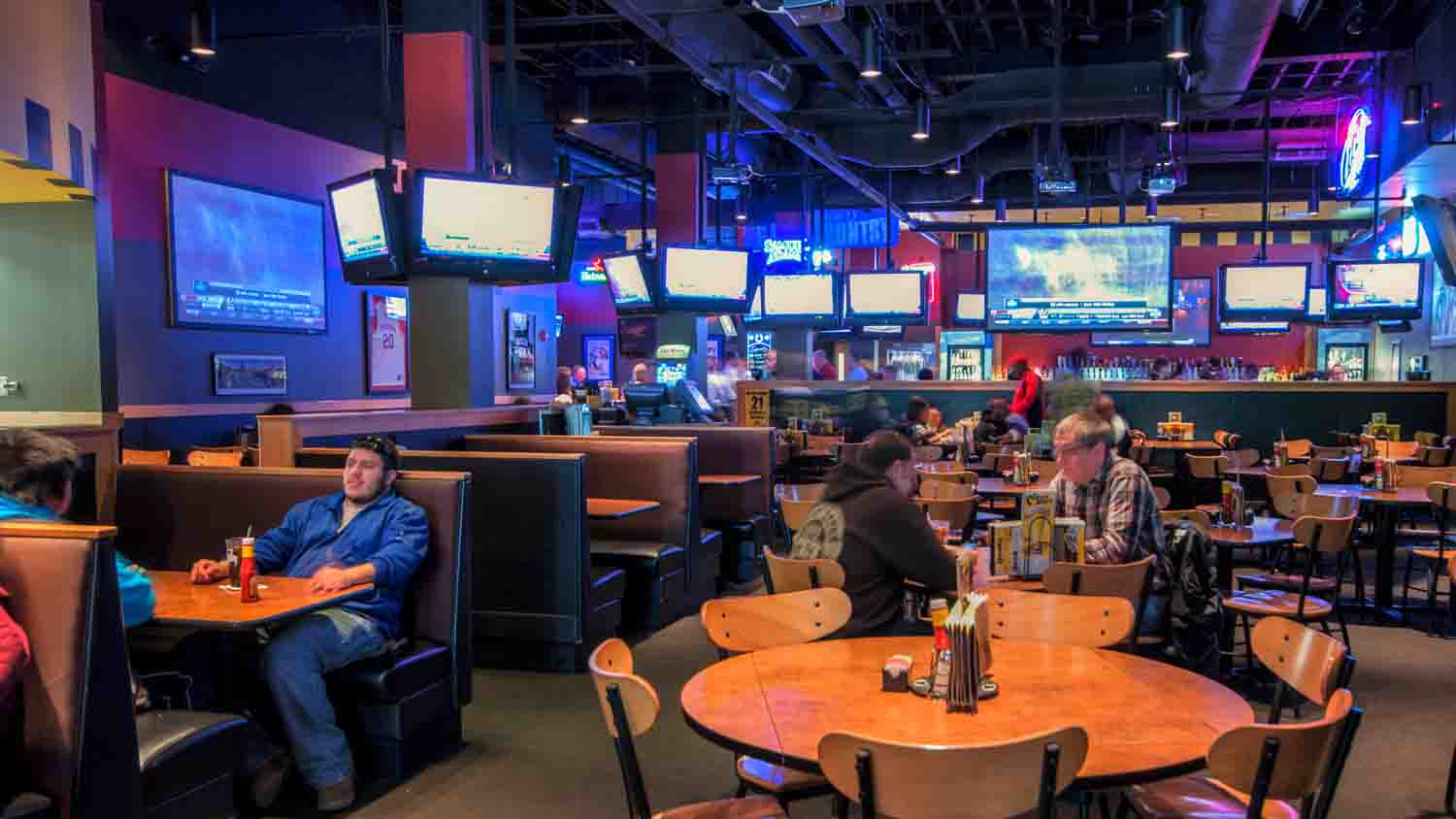 Buffalo Wild Wings Grill & Bar 1