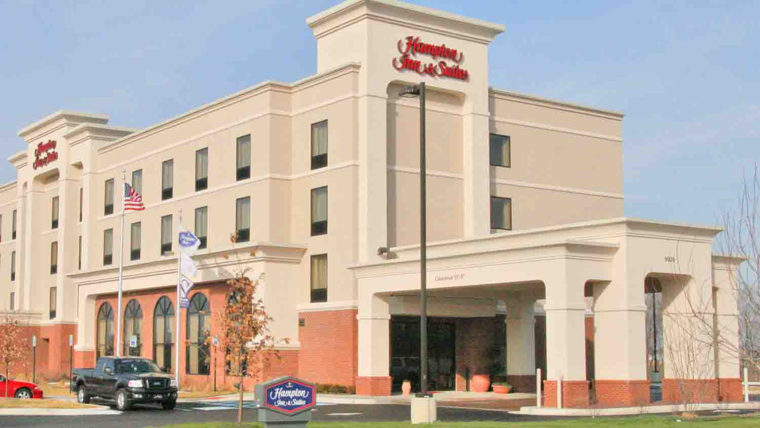 Hampton Inn & Suites Indianapolis Airport 7