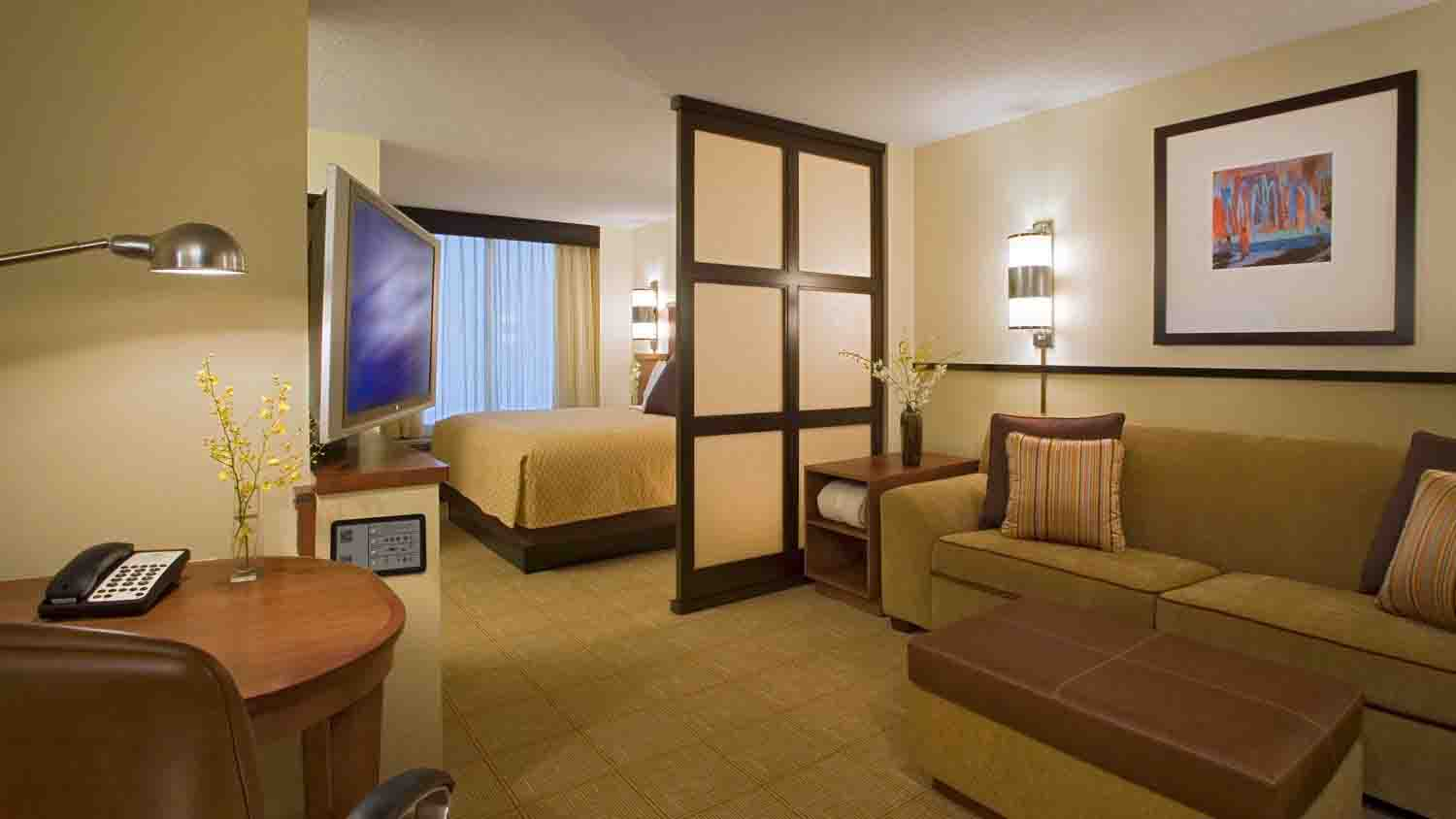 Hyatt Place Indianapolis Airport 4