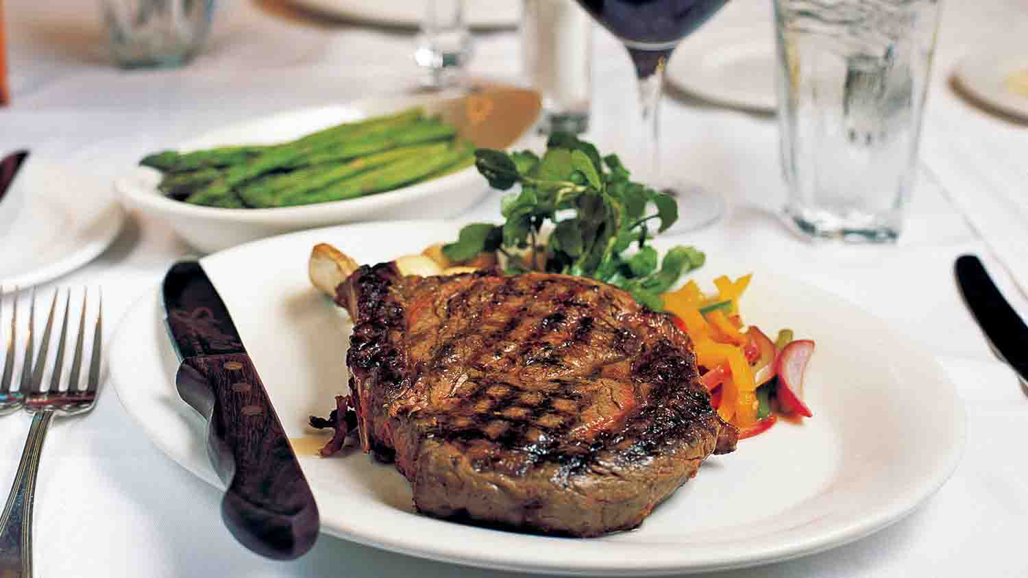 Shula's Steak House at The Westin Indianapolis 3