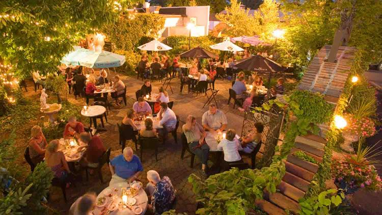 Mama Carolla's Old Italian Restaurant