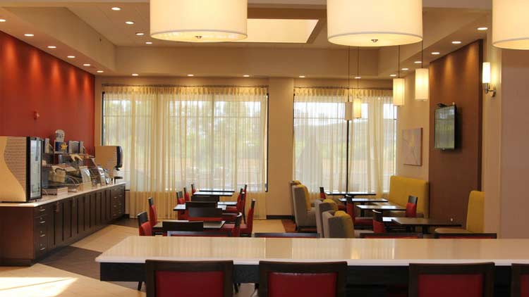 Holiday Inn Express & Suites West Indianapolis Airport 6