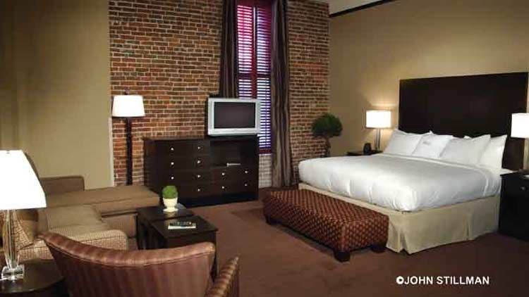 Homewood Suites by Hilton Indianapolis - Downtown 10