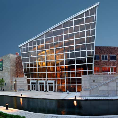 History buffs state museum