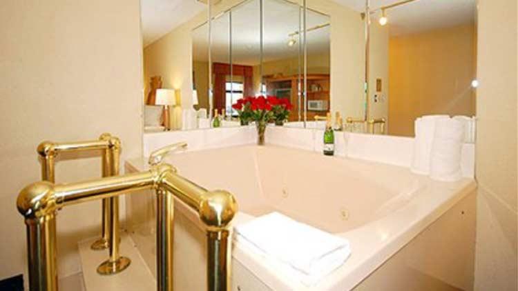 Quality Inn/Innvite Hospitality - Greenfield