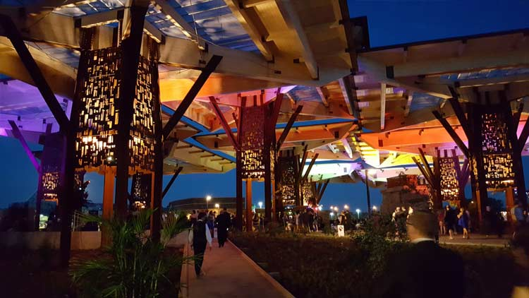Bicentennial Pavilion at the Indianapois Zoo 1