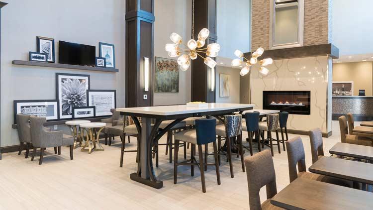 Hampton Inn & Suites - Indianapolis Keystone 6