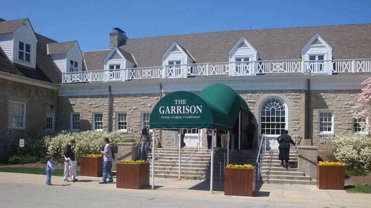 The Garrison Restaurant at Fort Harrison State Park Inn