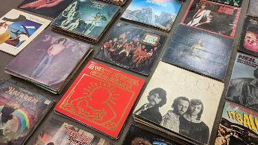 Vintage Pop-up Sale