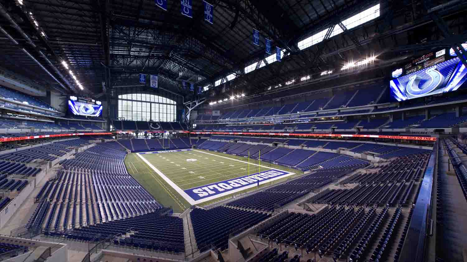Lucas Oil Stadium 32