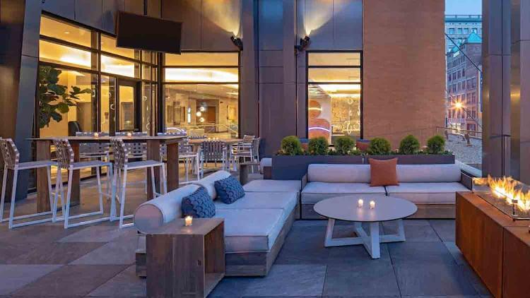 Pivot Bar & Balcony at Hyatt Place/Hyatt House Downtown