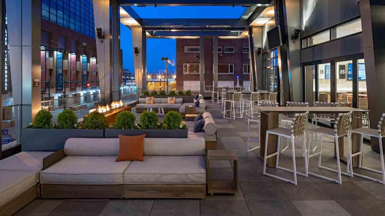 Pivot Bar & Balcony 2