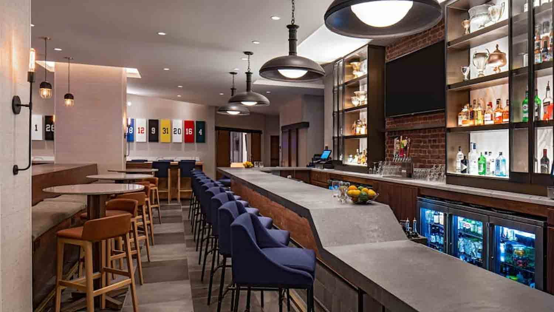 Pivot Bar & Balcony 3