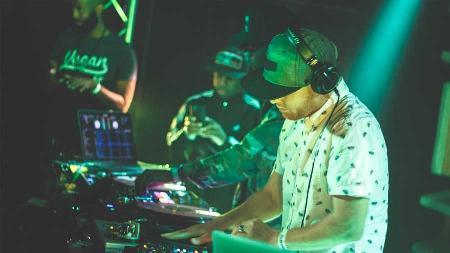 DJ的实习生